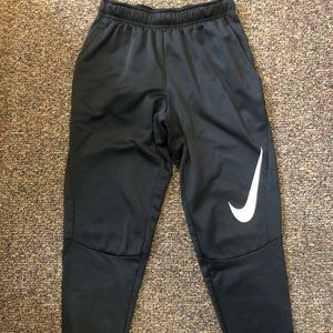 Nike Black Tapered Sweatpants, Small